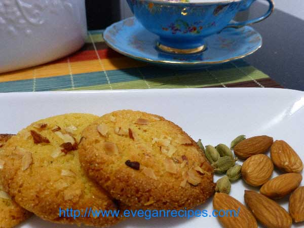Easy Vegan Dessert – Almond And Cardamom Macaroons