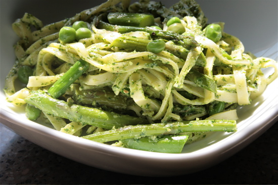 Vegan Pesto Pasta With Spring Vegetables - Vegan Recipes