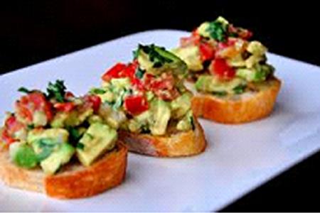 Vegan Appetizer – Guacamole Bruschetta