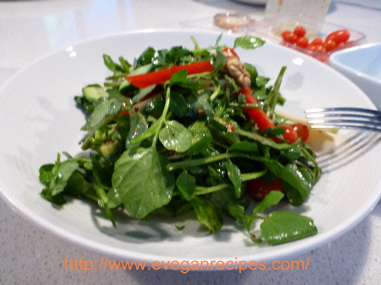 Watercress and walnut salad with raspberry vinaigrette
