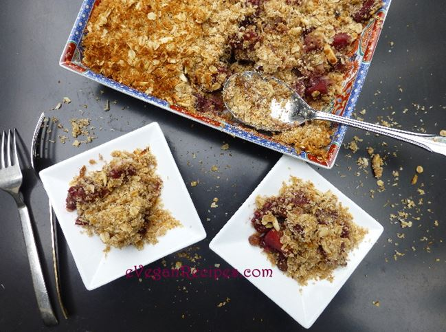 The Humble Crumble Veganized – Apple Berry and Coconut