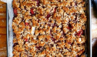 Apple Rhubarb Coconut Crumble